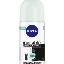 DESODORANTE ROLL-ON NIVEA INVISIBLE FOR BLACK & WHITE FRESH ERVA DOCE 50ML
